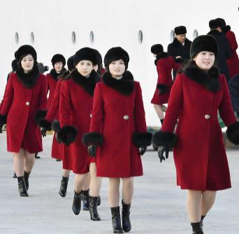 日本のテレビ局は、なぜ北朝鮮の美女軍団の報道をするのか